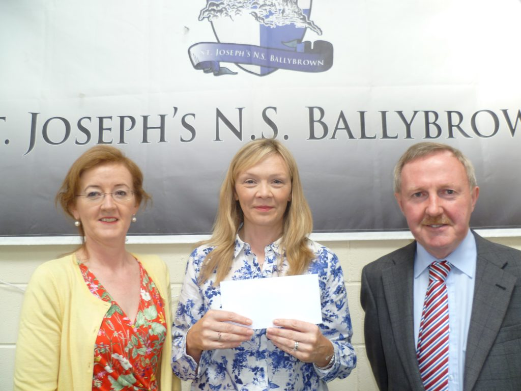 Sheila Hayes, Deputy Principal, Lorraine Murphy Chairperson Parents Association and Joe Lyons, Principal Ballybrown NS